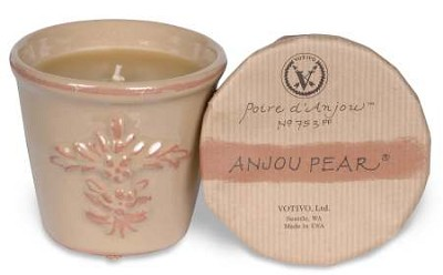 Votivo Anjou Pear candle-terracotta jar